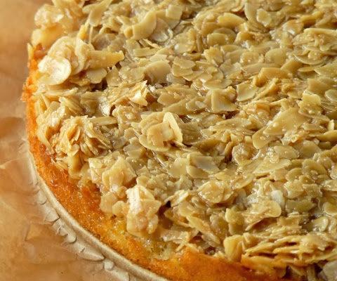 Ciasto z migdałami w kajmaku (Toscakaka)