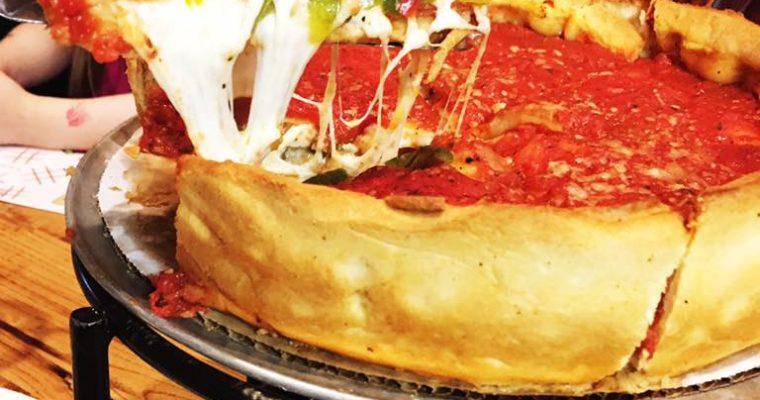 Koszmar dietetyka, raj głodomora – deep dish pizza